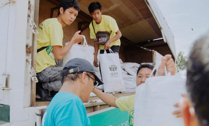 adventists-in-the-philippines-assist-volcano-evacuees