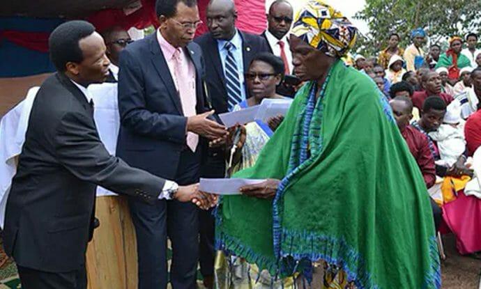 church-leaders-comfort-lightning-strike-mourners-in-rwanda