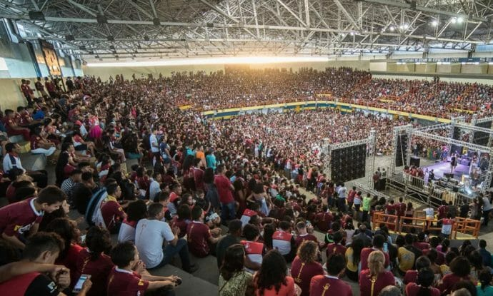 church-in-south-america-gets-180000-young-people-involved-in-outreach