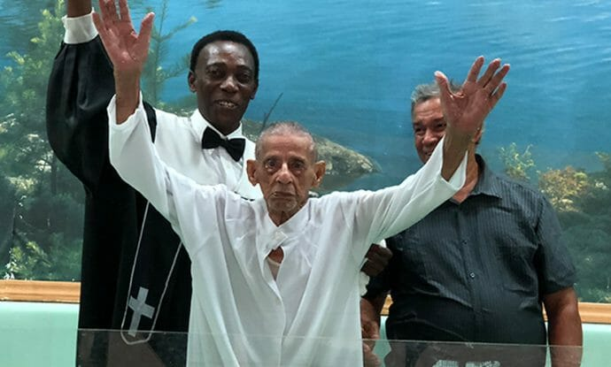 in-puerto-rico-103-year-old-gives-his-life-to-jesus-and-is-baptized