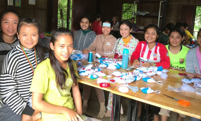 christmas-crafts-in-cambodia