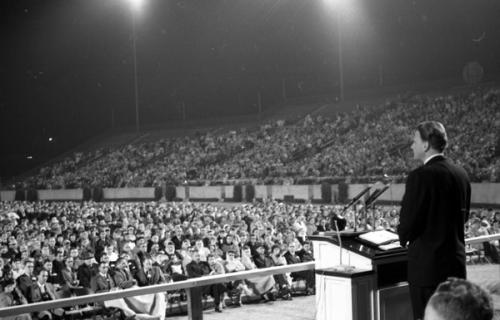 Evangelist Billy Graham speaking at Doak Campbell Stadium in Tallahassee, Florida (11928157394)